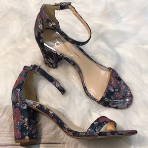 Jessica Simpson fabric heel sandals size 6